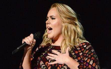 【Adele】- 《Hello》第59届格莱美颁奖典礼开场表演
