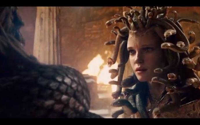 《诸神之战》里的美杜莎本身也是一个悲剧人物,总觉得