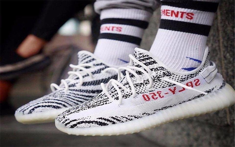椰子斑马阿迪达斯yeezy boost 350 v2 实物开箱 最新款鞋上脚运动鞋