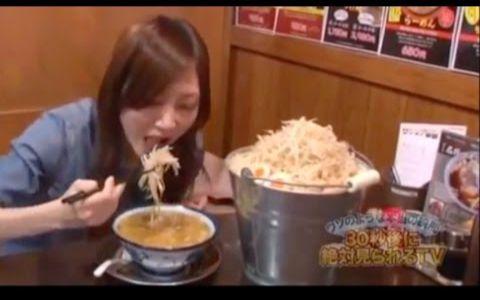 【大胃女王】木下佑香|挑战巨大水桶蘸汁面|中文字幕