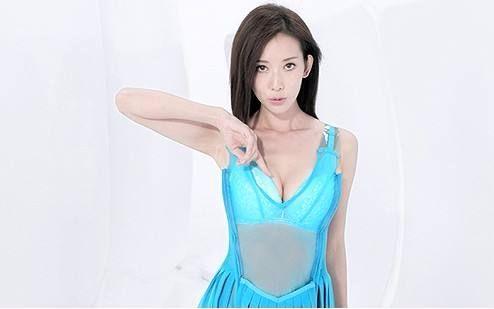 万万没想到 志玲姐姐的内衣广告被小学生投诉 忍不住看她GG
