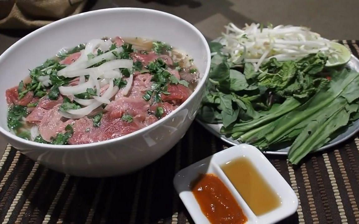 煮家男人:正宗的越南生牛肉河粉 做法很简单 就是有点小怕怕