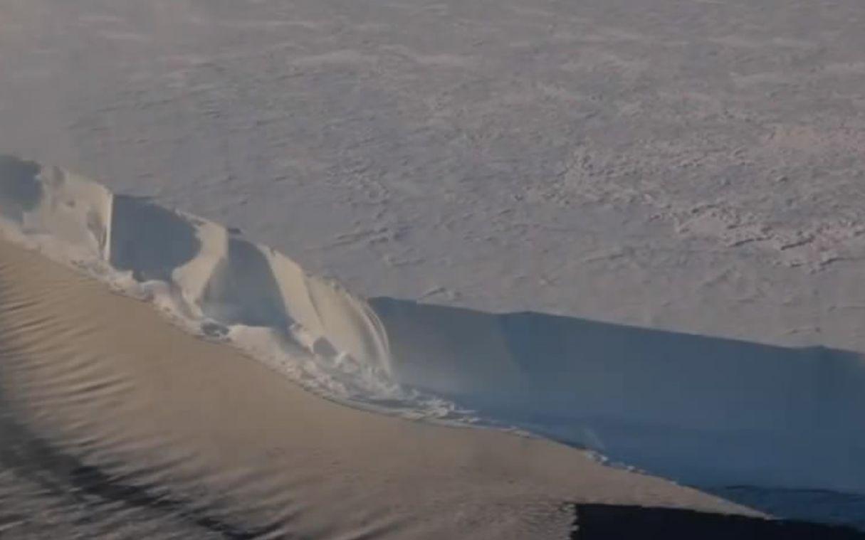 """听!南极冰川在""""唱歌"""""""