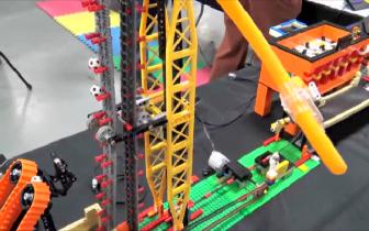 """碉堡!国外牛人用乐高积木,做了一个全自动化""""玩具乐园"""""""
