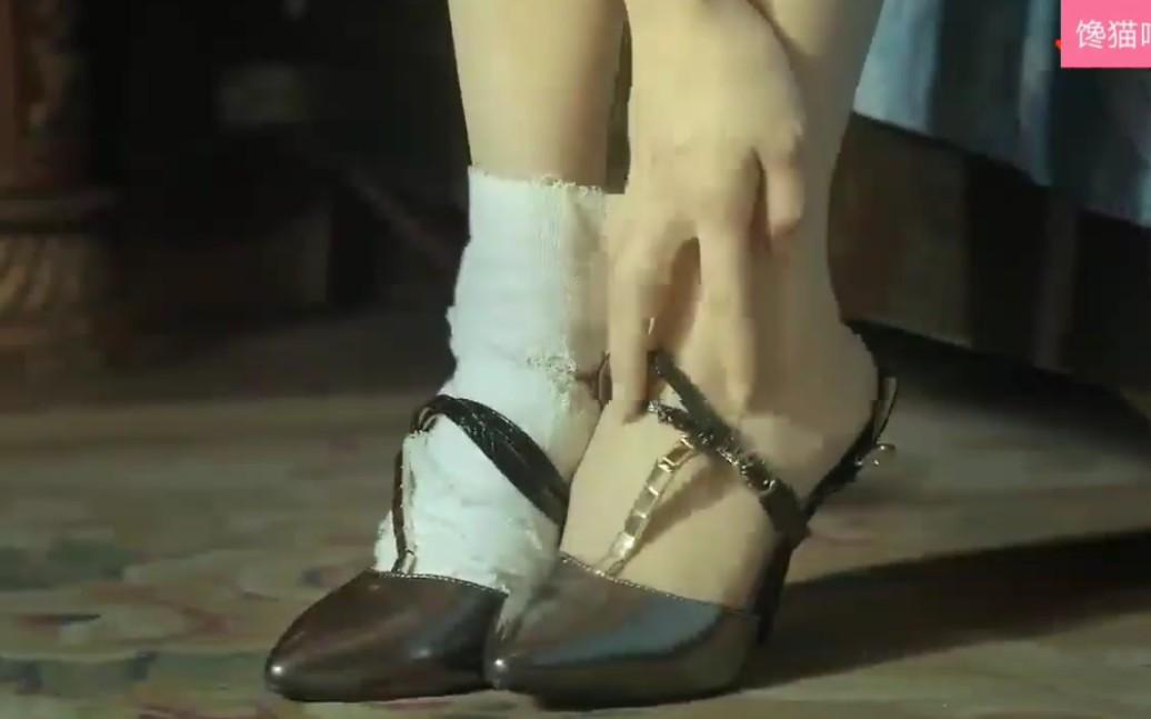 美女丝袜脚的v美女美女遇到图片