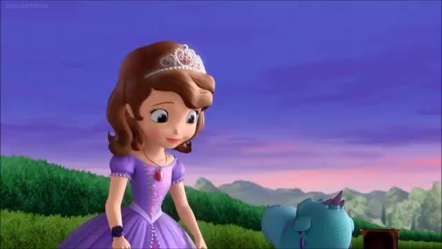 苏菲亚变成小母龙! 小公主苏菲亚图片