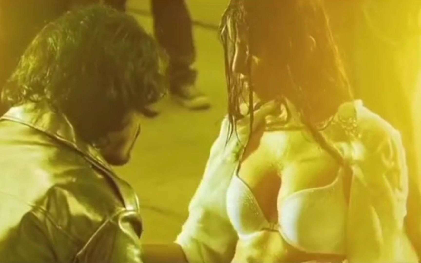湿身下的诱惑,印度最强胸,没有之一