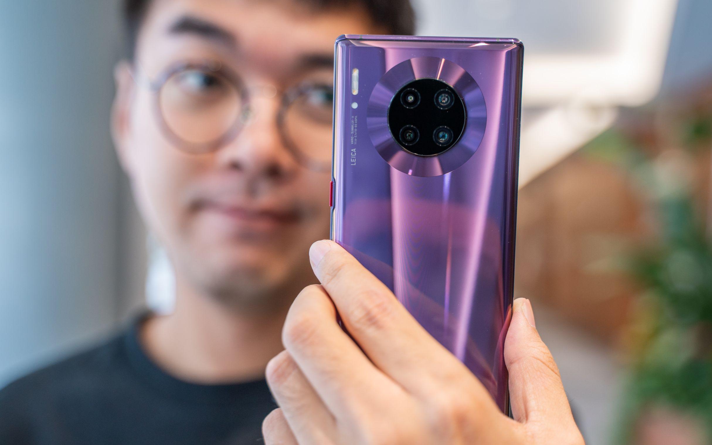 搞机零距离:华为Mate30 Pro上手 徕卡四镜头造型变成圆圈了!