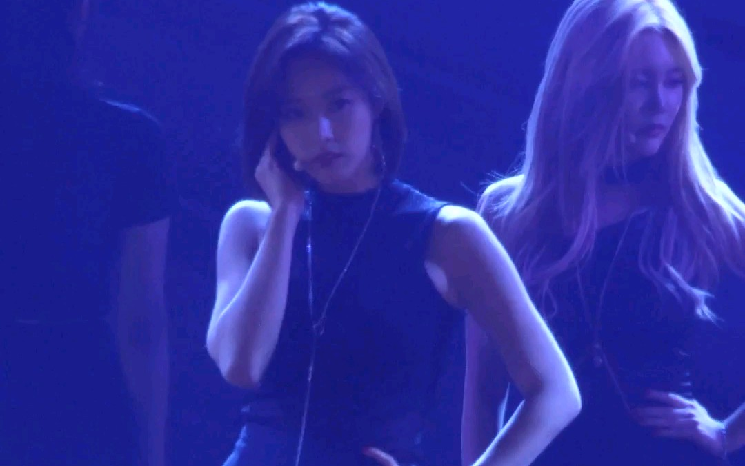 170909 T-ARA Lovey Dovey u0026 Roly Poly EUNJUNG @ INK By Sleeppage 恩静 竖拍 Focus