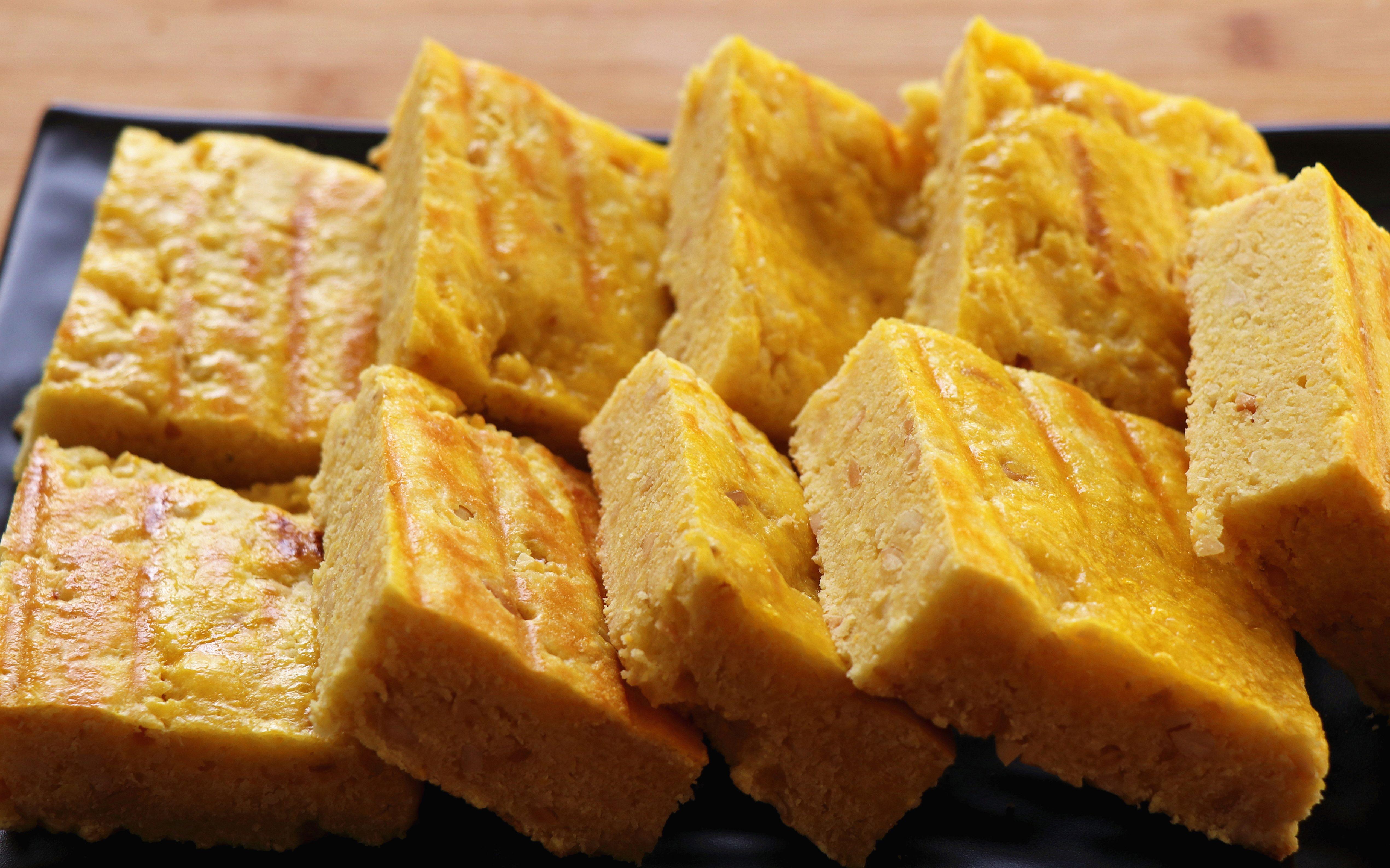玉米面试试这样做,口感酥松,香味十足,既能当主食,也能做糕点【杂粮松饼】