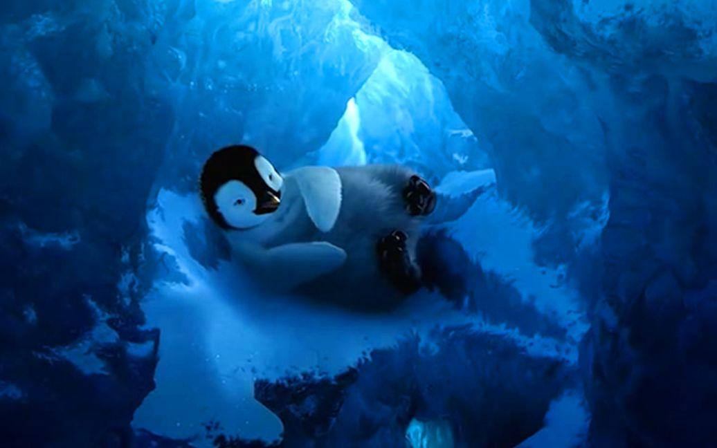 小企鹅因不会唱歌,惨遭族人抛弃,最终逆袭成为族群英雄,速看美国动画电影《快乐的大脚》