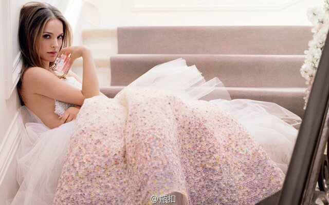 【合集】娜塔丽·波特曼-Miss_Dior迪奥小姐香水_2011.mp4