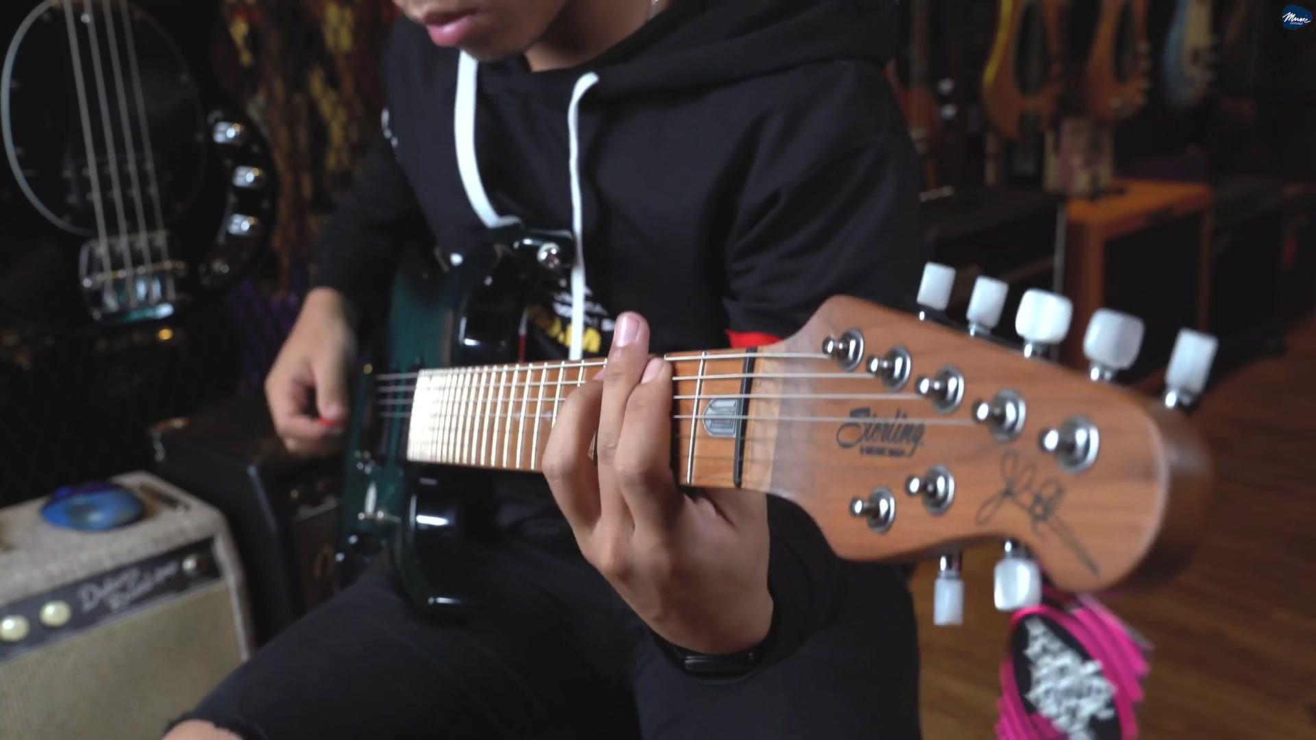 白指板的musicman Sterling JP157 翻弹Liquid Tension Experiment - Acid Rain