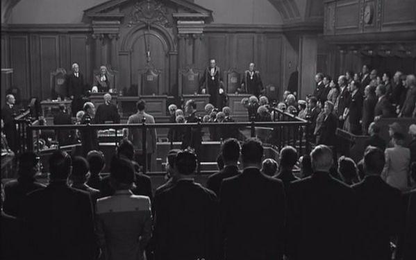 几分钟看完豆瓣9.6分 57年版悬疑电影控方证人