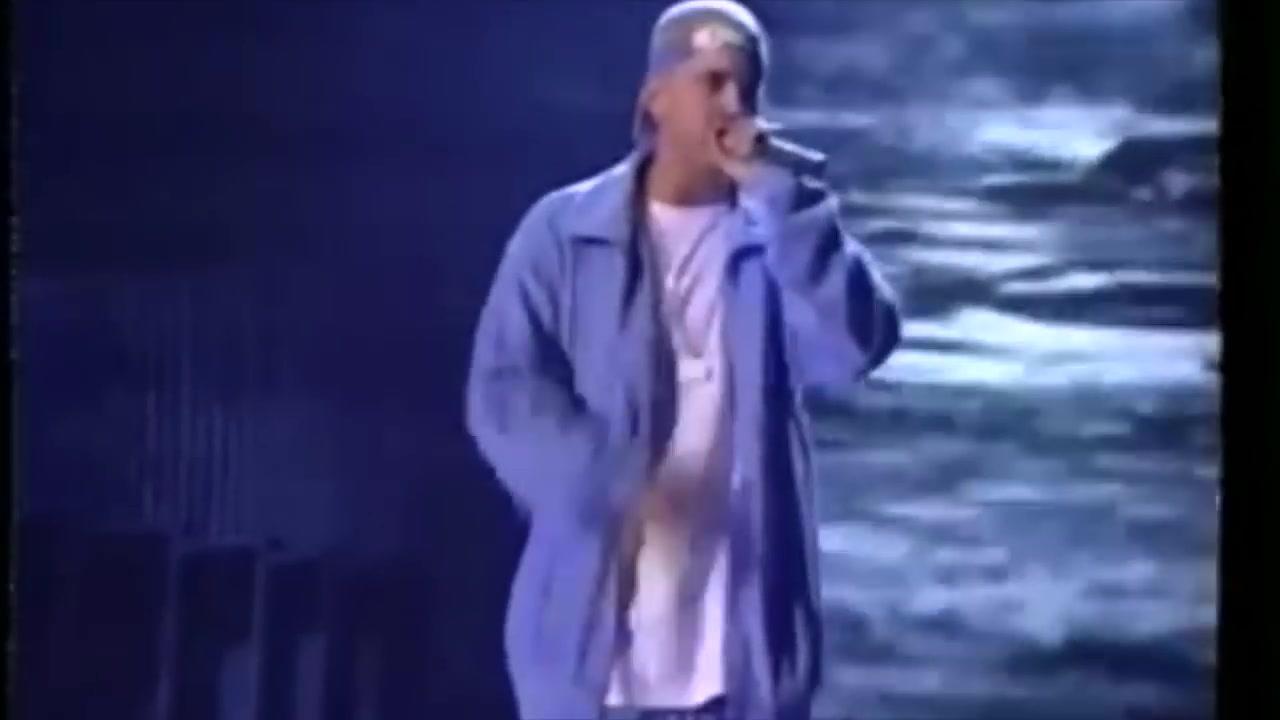 em2001年格莱美搭配eltonjohn现场表演经典单曲stan-elton john 骞磋交