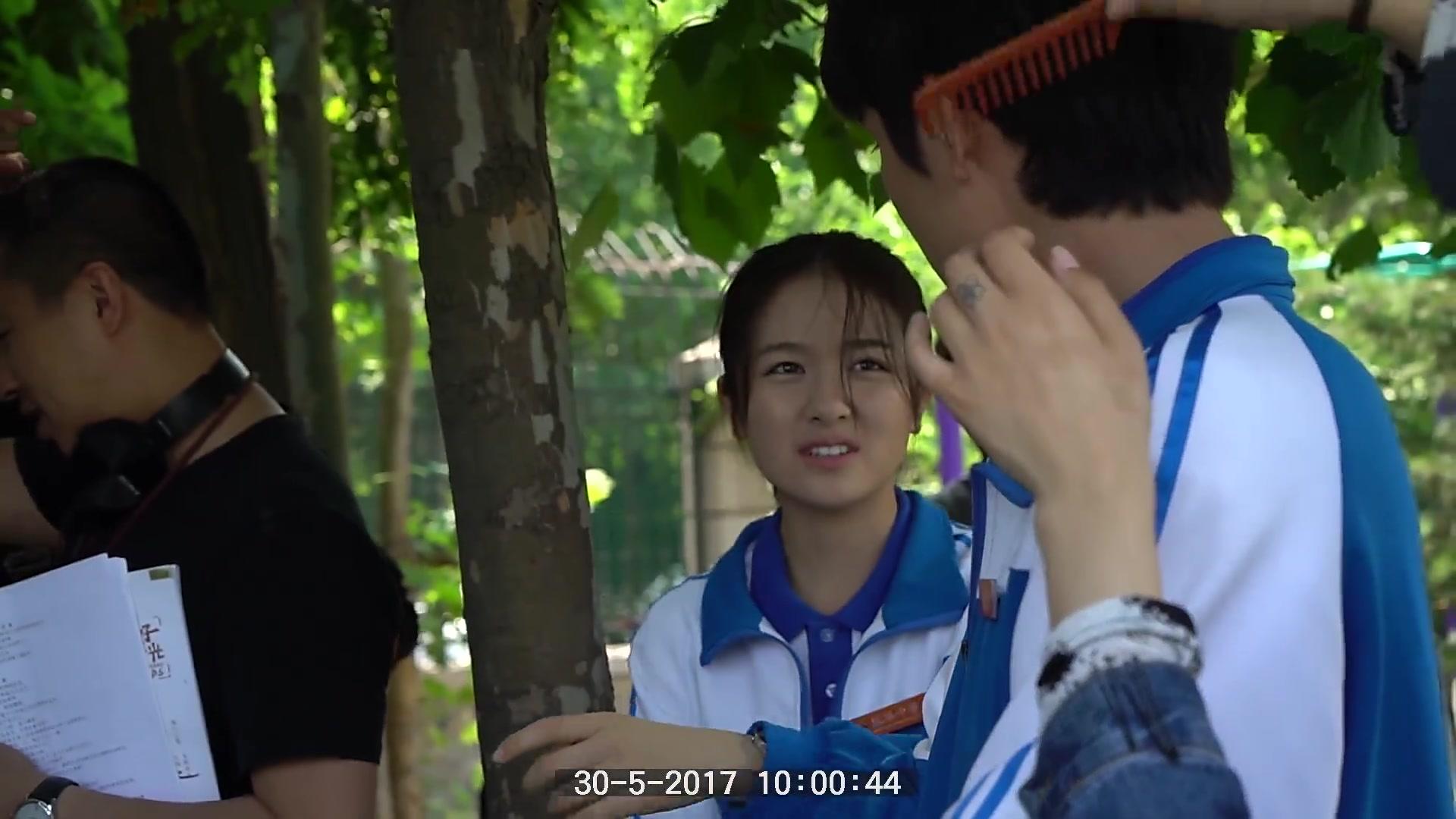 【你好旧时光】花絮:林杨夫妇画风秒转打手心,突如其来一嘴狗粮