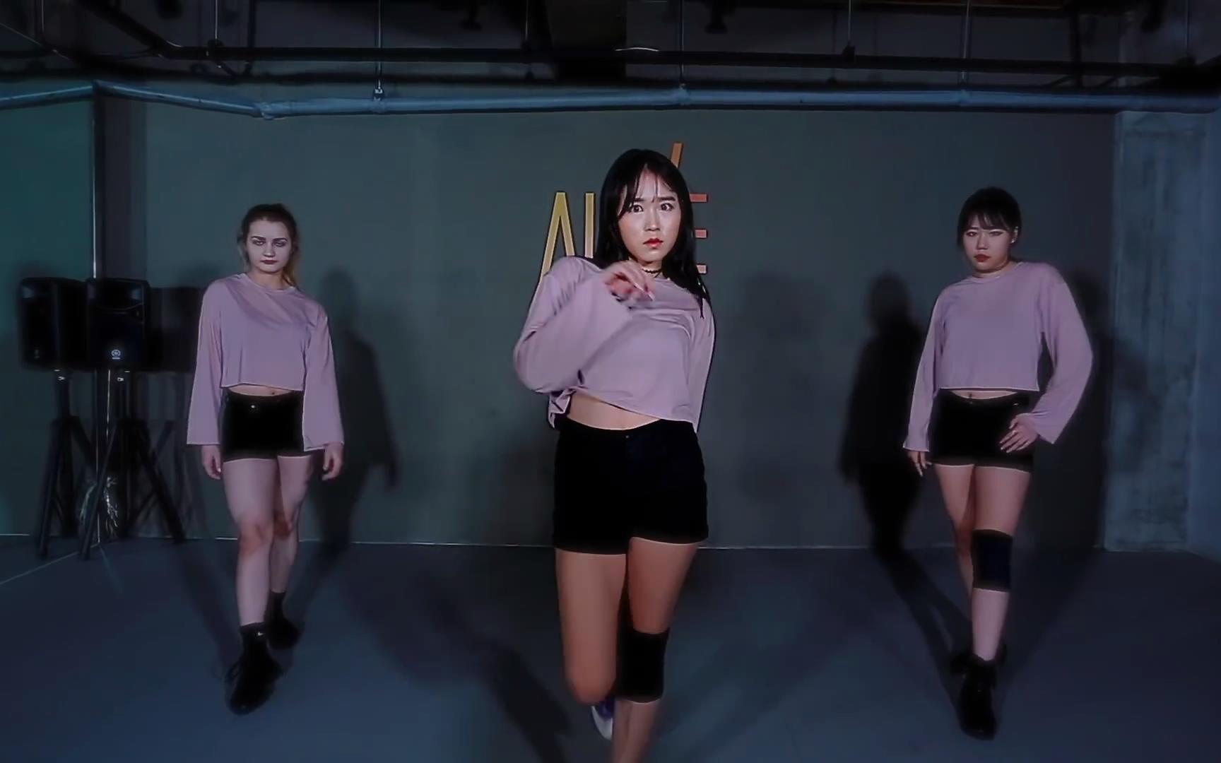 【爵士罪犯】holicsso编舞热单work(r3habremix)vs女警性感美女性感图片