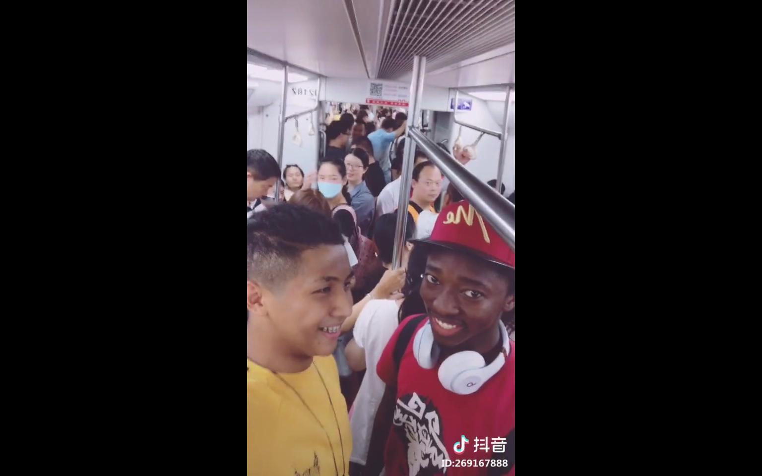 黑人狂飙陕西话