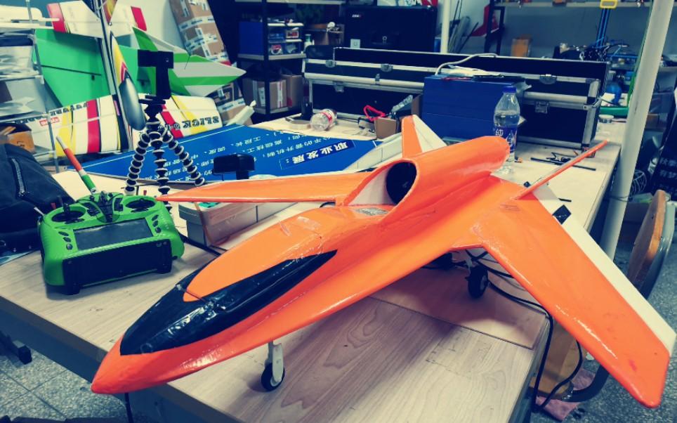 """原创设计一台前掠翼喷气式飞机,它为何还会""""飞檐走壁""""?"""