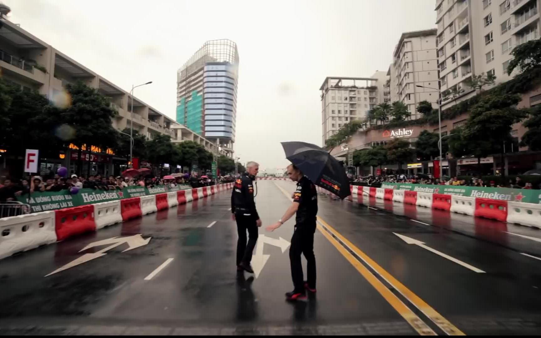 【红牛车队】Never Lift: 越南路演的幕后故事
