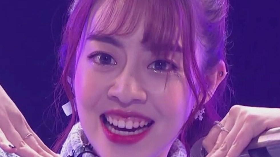亚洲视频天天综合_【创造101】朱天天 首次公演直拍《你的甜蜜》