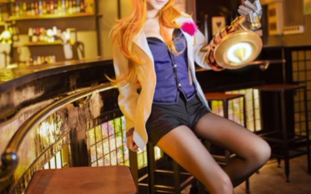 英雄联盟cosplay系列:小姐姐COS探险家伊泽瑞尔,好凶好腿