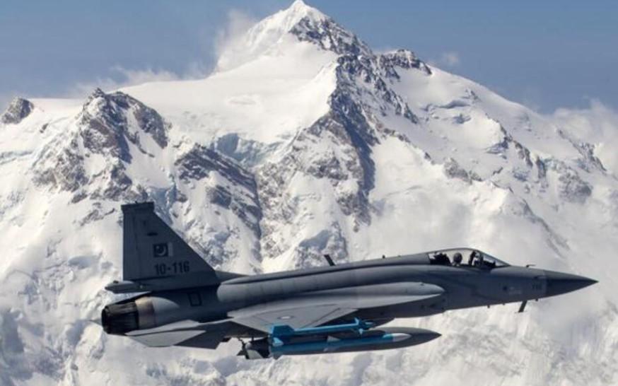 阿根廷能否冲破西方阻挠,向中国购买枭龙战机,我们拭目以待。