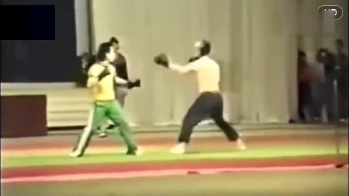 中国功夫ko视频_20年前一段视频,中南海保镖几招内KO俄罗斯特种兵,厉害了 ...